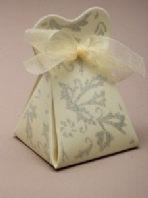 Cream tapered favour box (Code 2453)